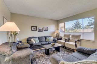 """Photo 2: 431 CARDIFF Way in Port Moody: College Park PM Townhouse for sale in """"EASTHILL"""" : MLS®# R2111339"""