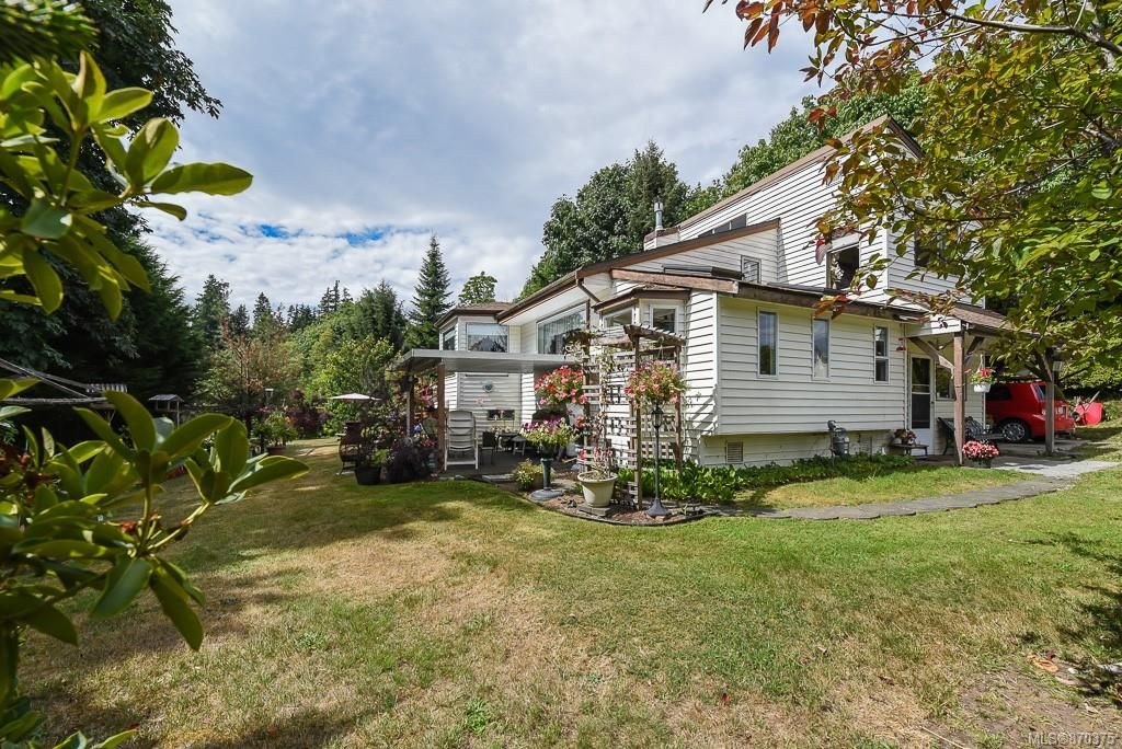 Main Photo: 3777 Laurel Dr in : CV Courtenay South House for sale (Comox Valley)  : MLS®# 870375