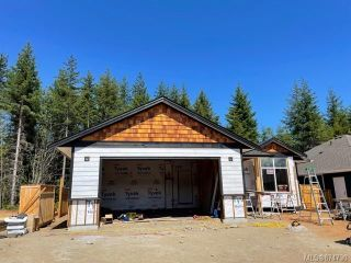 FEATURED LISTING: 758 Salal St