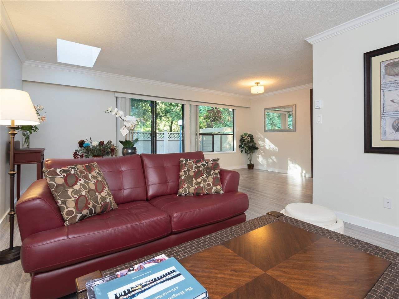 """Main Photo: 32 9101 FOREST GROVE Drive in Burnaby: Forest Hills BN Townhouse for sale in """"ROSSMOOR"""" (Burnaby North)  : MLS®# R2192598"""