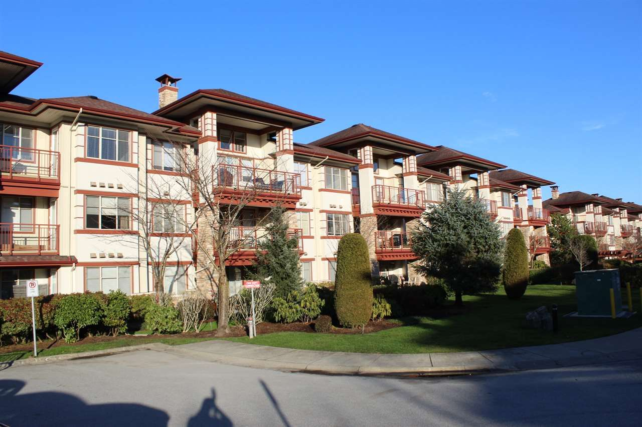 "Main Photo: 109 16477 64 Avenue in Surrey: Cloverdale BC Condo for sale in ""St. Andrews"" (Cloverdale)  : MLS®# R2526861"