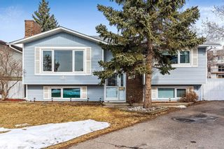 Photo 1: 719 RANCHVIEW Circle NW in Calgary: Ranchlands Detached for sale : MLS®# C4289944