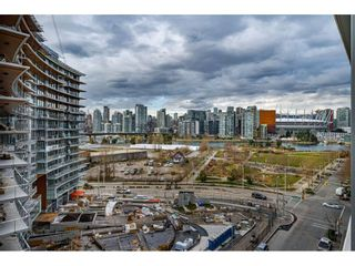 "Photo 18: 1009 1788 COLUMBIA Street in Vancouver: False Creek Condo for sale in ""EPIC AT WEST"" (Vancouver West)  : MLS®# R2549911"