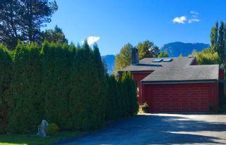 """Photo 1: 2254 READ Crescent in Squamish: Garibaldi Estates House for sale in """"Garibaldi Estates"""" : MLS®# R2624597"""