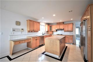 Photo 2: 7233 WAVERLEY Avenue in Burnaby: Metrotown House for sale (Burnaby South)  : MLS®# R2500474