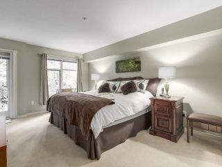 """Photo 14: 206 1144 STRATHAVEN Drive in North Vancouver: Northlands Condo for sale in """"Strathaven"""" : MLS®# R2217915"""