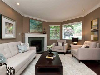 """Photo 2: 642 ST GEORGES Avenue in North Vancouver: Lower Lonsdale Townhouse for sale in """"ST GEORGES COURT"""" : MLS®# V899118"""