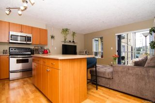 Photo 5: 211 383 Wale Rd in Colwood: Co Colwood Corners Condo for sale : MLS®# 863678