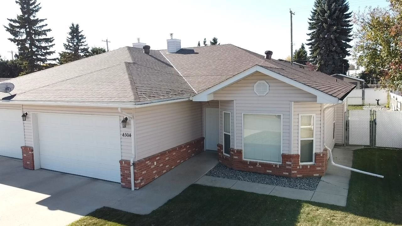 Main Photo: 4304 53 Street: Wetaskiwin House Half Duplex for sale : MLS®# E4264559