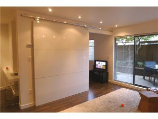 """Photo 6: 103 349 E 6TH Avenue in Vancouver: Mount Pleasant VE Condo for sale in """"LANDMARK HOUSE"""" (Vancouver East)  : MLS®# V995489"""