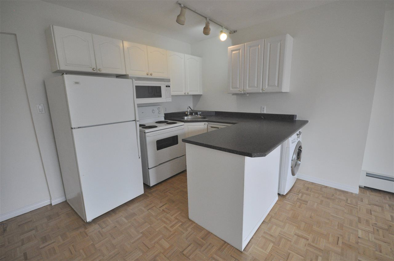 Photo 8: Photos: 608 11025 JASPER Avenue in Edmonton: Zone 12 Condo for sale : MLS®# E4189379