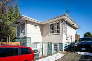 Photo 2: 10 GILLESPIE St in : Na Central Nanaimo House for sale (Nanaimo)  : MLS®# 866542