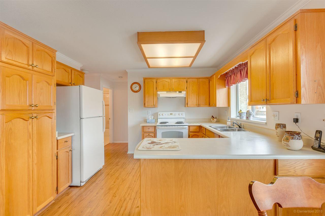 "Photo 5: Photos: 108 20600 53A Avenue in Langley: Langley City Condo for sale in ""RIVERGLEN ESTATE"" : MLS®# R2419379"