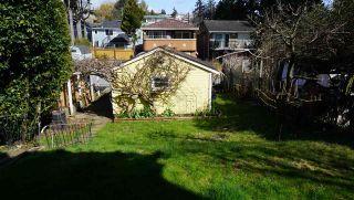 Photo 4: 15571 VICTORIA Avenue: White Rock House for sale (South Surrey White Rock)  : MLS®# R2570444