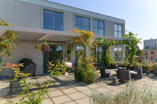"""Photo 3: 802 518 W 14TH Avenue in Vancouver: Fairview VW Condo for sale in """"PACIFICA"""" (Vancouver West)  : MLS®# R2411857"""