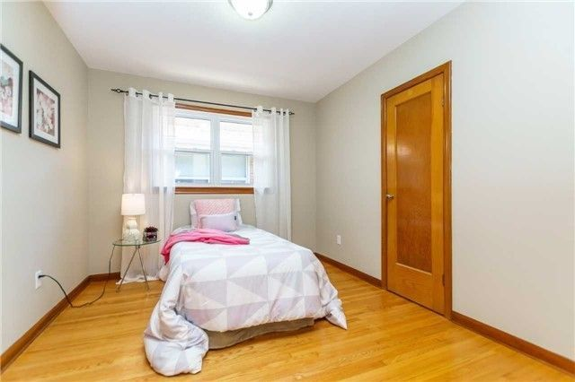 Photo 5: Photos: 304 Jackson Avenue in Oshawa: Central House (Bungalow) for sale : MLS®# E3997976