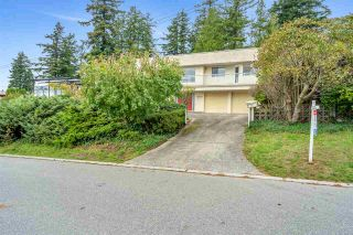 """Photo 21: 14887 HARDIE Avenue: White Rock House for sale in """"White Rock"""" (South Surrey White Rock)  : MLS®# R2509233"""