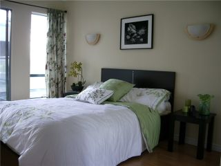 """Photo 6: 21 939 W 7TH Avenue in Vancouver: Fairview VW Townhouse for sale in """"MERIDIAN COURT"""" (Vancouver West)  : MLS®# V829669"""