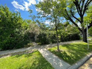 Main Photo: 318 12 Street NW in Calgary: Hillhurst Detached for sale : MLS®# A1062999