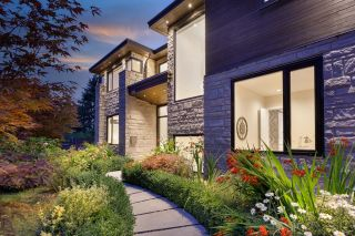 Photo 4: 3885 SUNSET Boulevard in North Vancouver: Edgemont House for sale : MLS®# R2617512