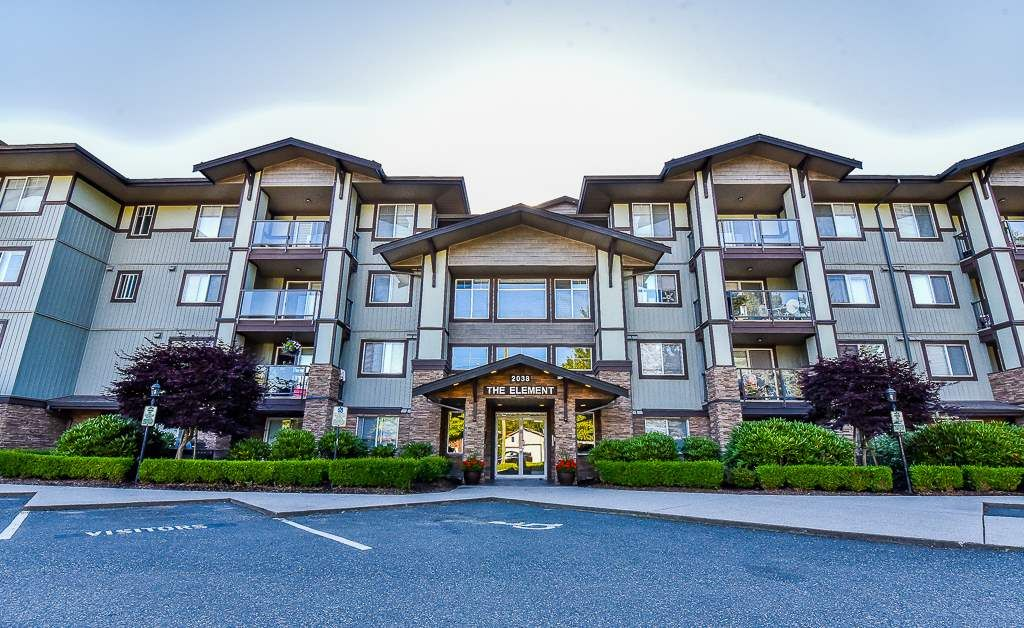 """Main Photo: 105 2038 SANDALWOOD Crescent in Abbotsford: Central Abbotsford Condo for sale in """"THE ELEMENT"""" : MLS®# R2185512"""