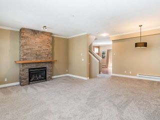 """Photo 4: 76 19932 70 Avenue in Langley: Willoughby Heights Townhouse for sale in """"Summerwood"""" : MLS®# R2380626"""