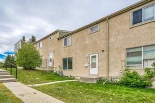 Photo 15: 129 405 64 Avenue NE in Calgary: Thorncliffe Row/Townhouse for sale : MLS®# A1037225