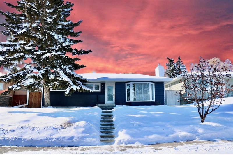 FEATURED LISTING: 17 Fenton Road Southeast Calgary