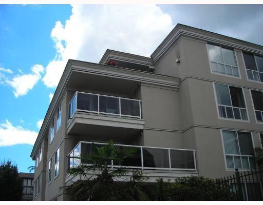 "Photo 2: Photos: 308 2485 ATKINS Avenue in Port_Coquitlam: Central Pt Coquitlam Condo for sale in ""THE ESPLANADE"" (Port Coquitlam)  : MLS®# V663297"