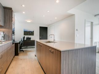 """Photo 14: 905 728 W 8TH Avenue in Vancouver: Fairview VW Condo for sale in """"700 WEST8TH"""" (Vancouver West)  : MLS®# R2082142"""