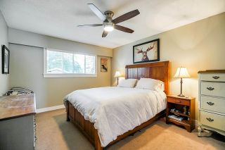 "Photo 12: 5901 ABERDEEN Street in Surrey: Cloverdale BC House for sale in ""Jersey Hills"" (Cloverdale)  : MLS®# R2383785"