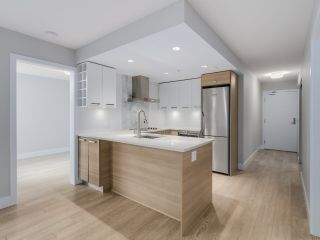 """Photo 3: 221 1783 MANITOBA Street in Vancouver: False Creek Condo for sale in """"Residences at West"""" (Vancouver West)  : MLS®# R2055907"""