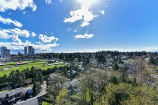 """Photo 23: 2202 10777 UNIVERSITY Drive in Surrey: Whalley Condo for sale in """"CITY POINT"""" (North Surrey)  : MLS®# R2511547"""