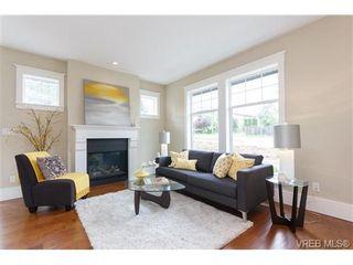 Photo 2: A 7886 Wallace Dr in SAANICHTON: CS Saanichton Half Duplex for sale (Central Saanich)  : MLS®# 679924