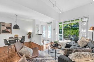 Main Photo: 2G 1067 MARINASIDE Crescent in Vancouver: Yaletown Townhouse for sale (Vancouver West)  : MLS®# R2618967