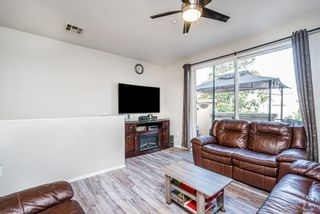 Photo 5: CHULA VISTA Townhouse for sale : 4 bedrooms : 2181 caminito Norina #132