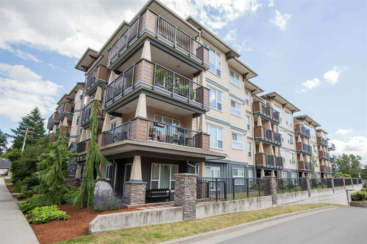 """Main Photo: 424 2565 CAMPBELL Avenue in Abbotsford: Central Abbotsford Condo for sale in """"ABACUS UPTOWN"""" : MLS®# R2381899"""