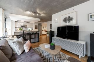 """Photo 4: 305 128 W CORDOVA Street in Vancouver: Downtown VW Condo for sale in """"WODWARDS"""" (Vancouver West)  : MLS®# R2624659"""