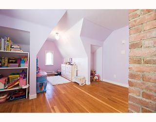 "Photo 10: 2560 GRANT Street in Vancouver: Renfrew VE House for sale in ""COMMERCIAL DR./CLINTON PARK"" (Vancouver East)  : MLS®# V783760"