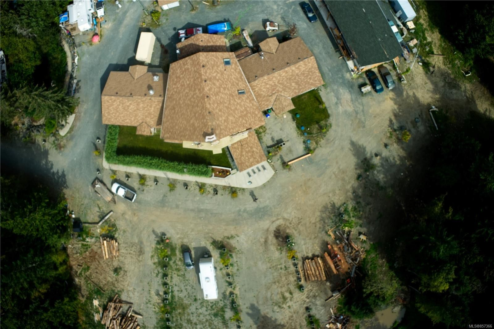 Photo 7: Photos: 1747 Nahmint Rd in : PQ Qualicum North Mixed Use for sale (Parksville/Qualicum)  : MLS®# 857366