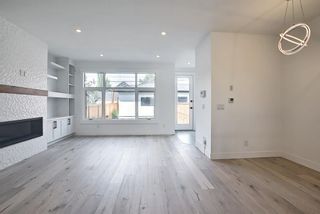 Photo 14: 434 18 Avenue NE in Calgary: Winston Heights/Mountview Semi Detached for sale : MLS®# A1132922