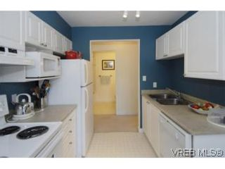 Photo 6: 301 1580 Christmas Ave in VICTORIA: SE Mt Tolmie Condo for sale (Saanich East)  : MLS®# 489978