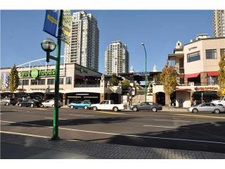 """Photo 17: 702 7225 ACORN Avenue in Burnaby: Highgate Condo for sale in """"AXIS"""" (Burnaby South)  : MLS®# V1087439"""