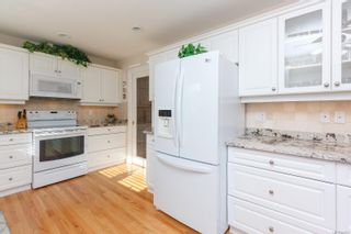 Photo 17: 3 881 Nicholson St in : SE High Quadra Row/Townhouse for sale (Saanich East)  : MLS®# 858702
