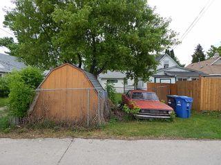 Photo 3: 514 Larsen Avenue in Winnipeg: Elmwood House for sale ()  : MLS®# 1814719