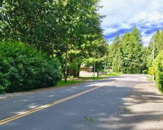 """Photo 7: 2456 124 Street in Surrey: Crescent Bch Ocean Pk. House for sale in """"Ocean Park"""" (South Surrey White Rock)  : MLS®# R2168683"""