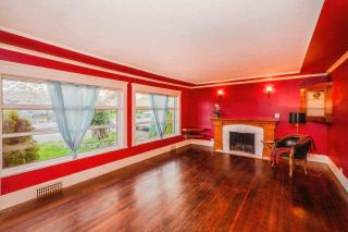 Photo 2: 827 WILLIAM Street in New Westminster: The Heights NW House for sale : MLS®# R2594143