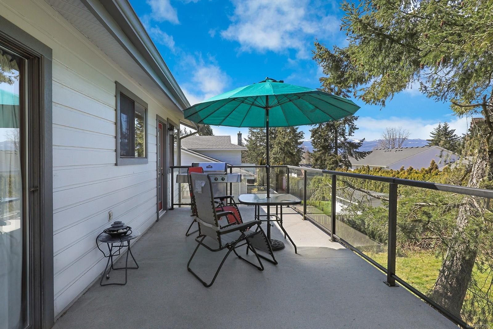 Photo 23: Photos: 1626 Valley Cres in : CV Courtenay East House for sale (Comox Valley)  : MLS®# 872592