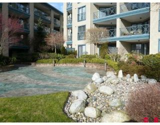"Photo 9: 108 15210 PACIFIC Avenue in White_Rock: White Rock Condo for sale in ""OCEAN RIDGE"" (South Surrey White Rock)  : MLS®# F2802742"