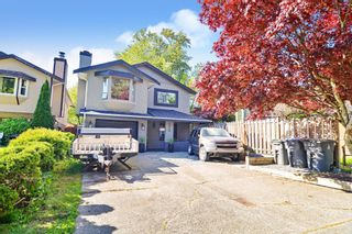 Photo 1: 6075 195A Street in Surrey: Cloverdale BC House for sale (Cloverdale)  : MLS®# R2578805
